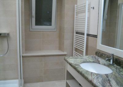 44.salle de bain top en marbre indien
